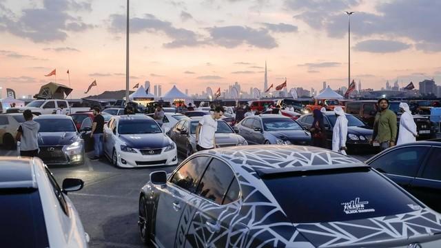 Porsche rent a car Dubai